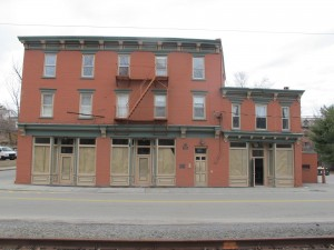 The Hop is moving into this building on the corner of Main and Verplanck. Looks like a lot more staff will be needed.