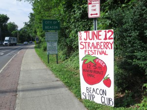 The Sloop Club advertises all of its seasonal festivals, which feature private vendors.
